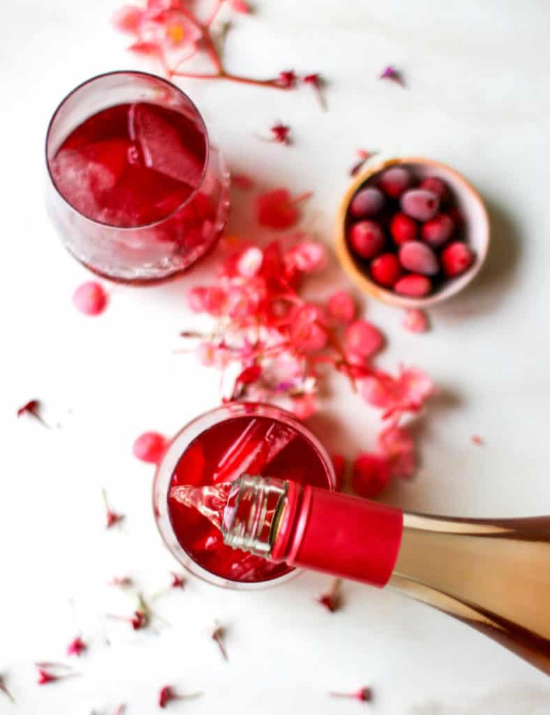 Cranberry juice Rose wine cocktai