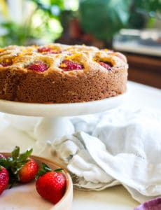 STRAWBERRY BUTTERMILK CAKE GLUTEN FREE